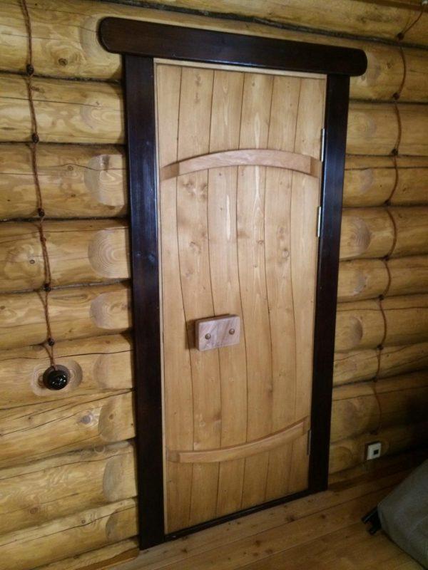 Две поперечины на банной двери