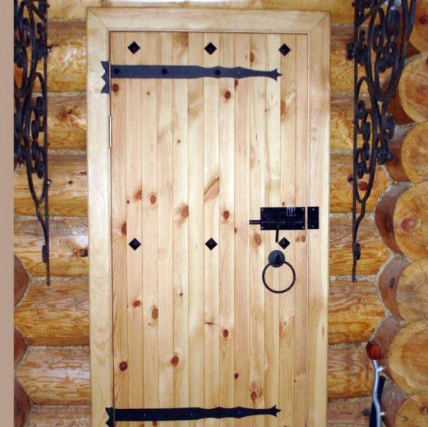 Щитовая входная дверь