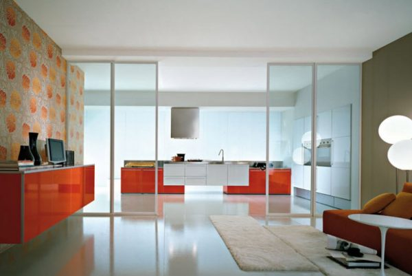 Раздвижные конструкции в интерьере помещения