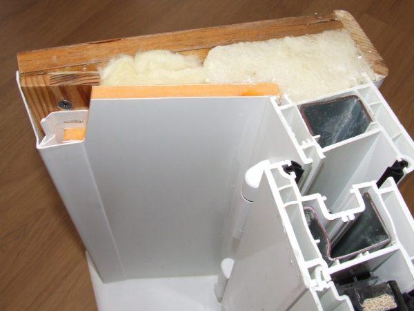 Установка пластиковых откосов двери