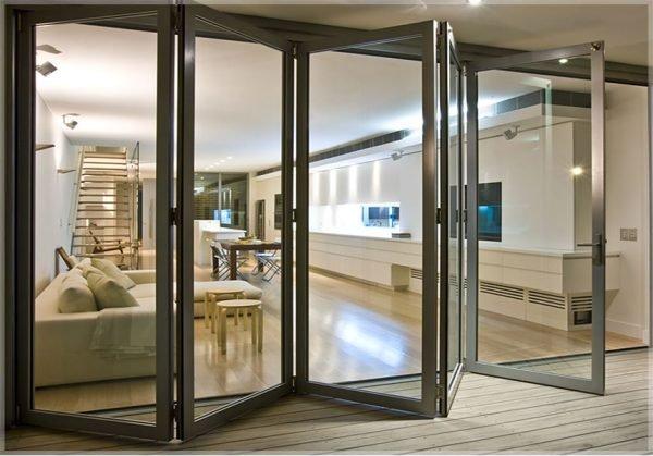 Сдвижные металлопластиковые двери