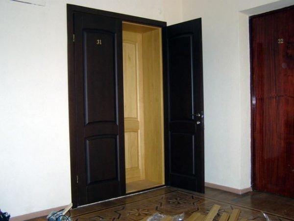 Дверь с плотным притвором