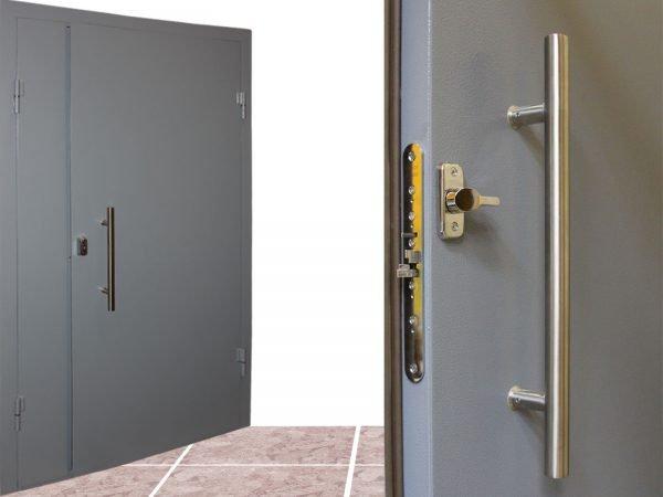 Неравнопольные двустворчатые тамбурные двери
