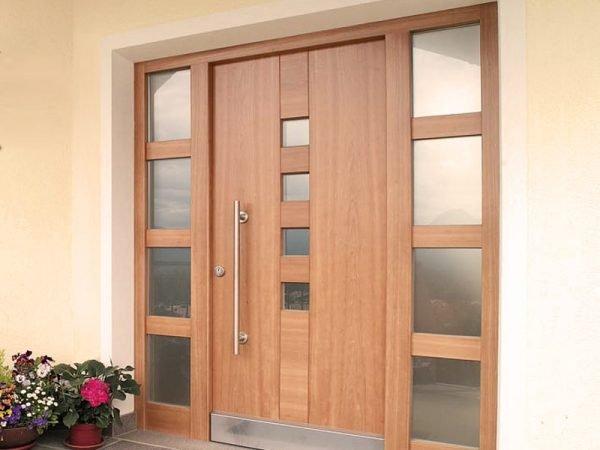 Вариант дверей со стеклом
