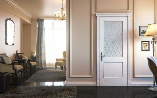 Филёнчатая белая дверь в ампире