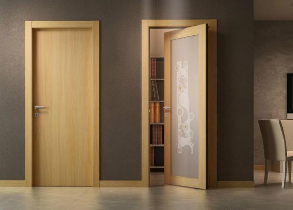 Межкомнатные простые двери из ДСП