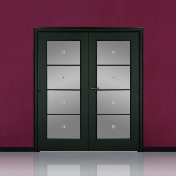 Двустворчатые двери со стеклом