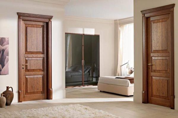 Филёнчатые двери из древесины