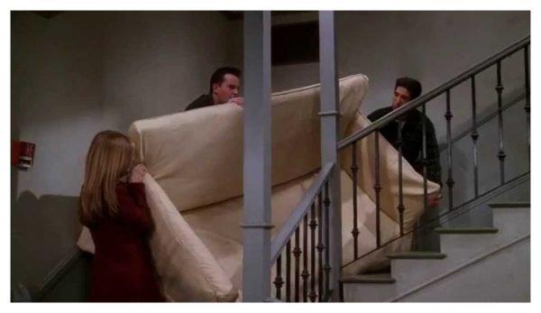 Перемещение дивана по лестнице