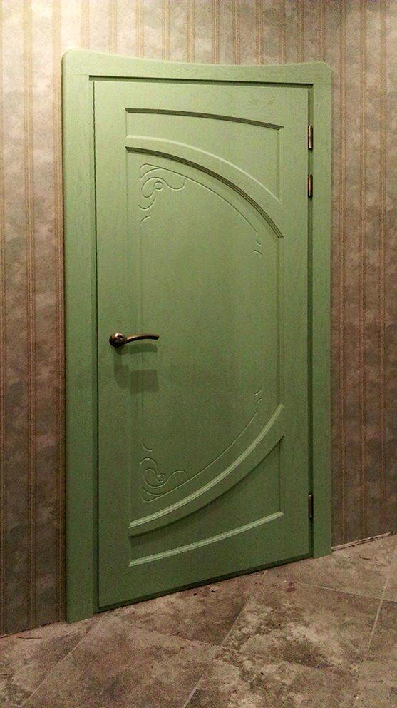 Зелёная межкомнатная деревянная дверь