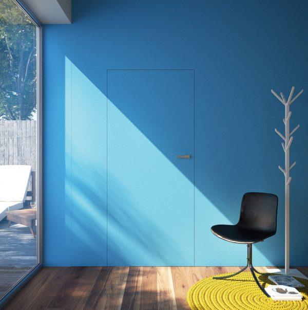 Цветные двери на фоне цветной стены
