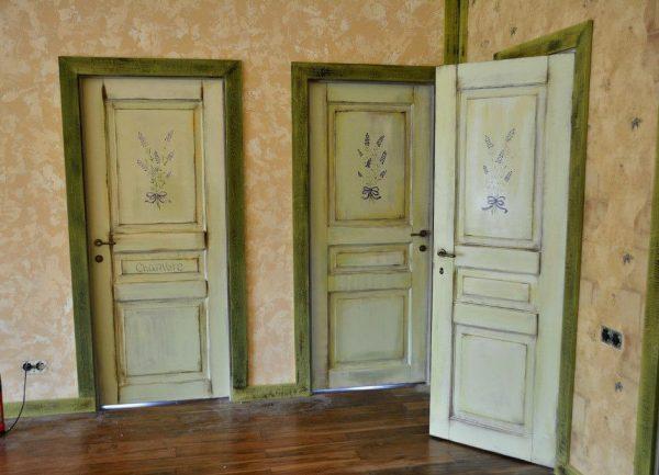 Оливковые двери в стиле прованс