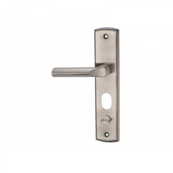 Ручка металлической двери