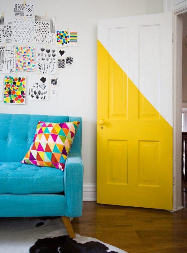 Жёлтые двери в интерьере детской комнаты
