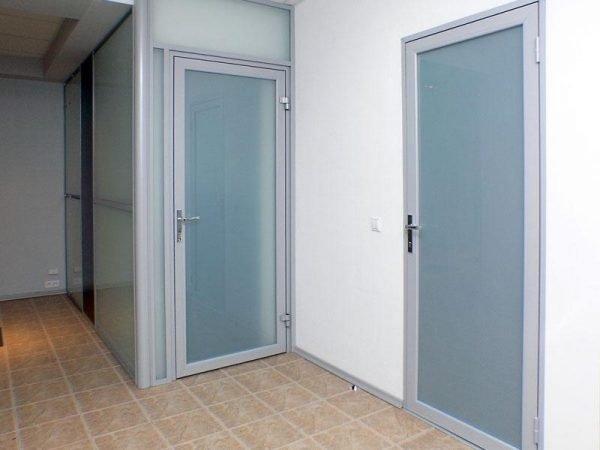 Пример алюминиевых офисных дверей