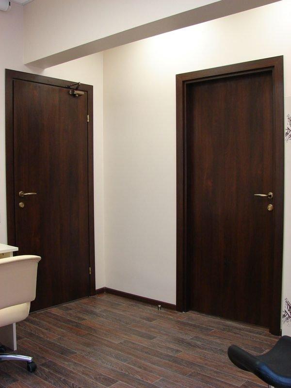 Пример офисных дверей из ДСП