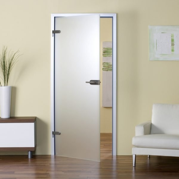 Распашная межкомнатная дверь