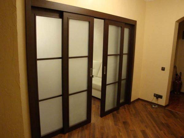 Раздвижные двухстворчатые двери