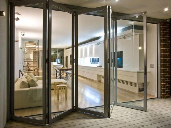 Алюминиевая дверь типа «книжка»
