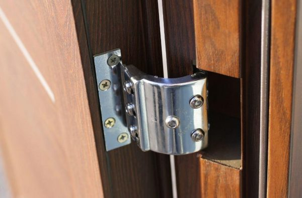 Регулируемые дверные петли