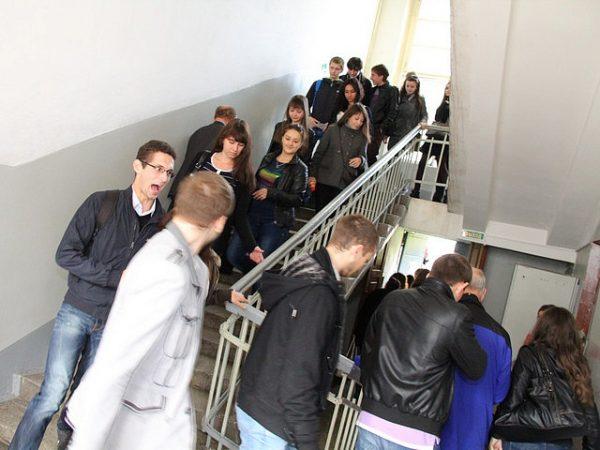 Эвакуация людей из здания