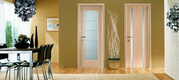 Органическое стекло в межкомнатной двери