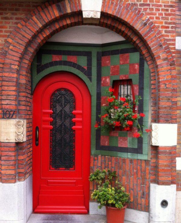 Арочные двери для загородного дома