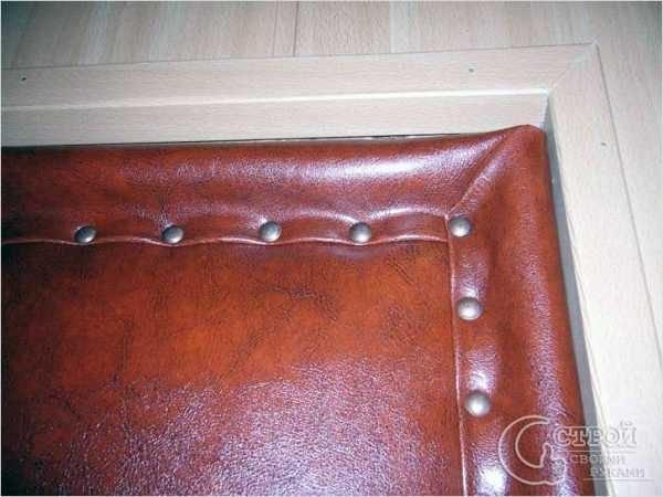 Монтаж валиков на дверное полотно