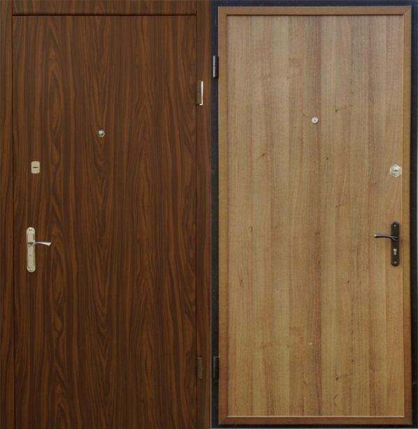 Металлическая дверь, обшитая ламинатом