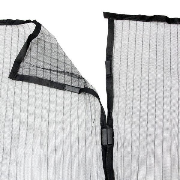 Стыковка двух полотнищ москитной сетки на магнитах