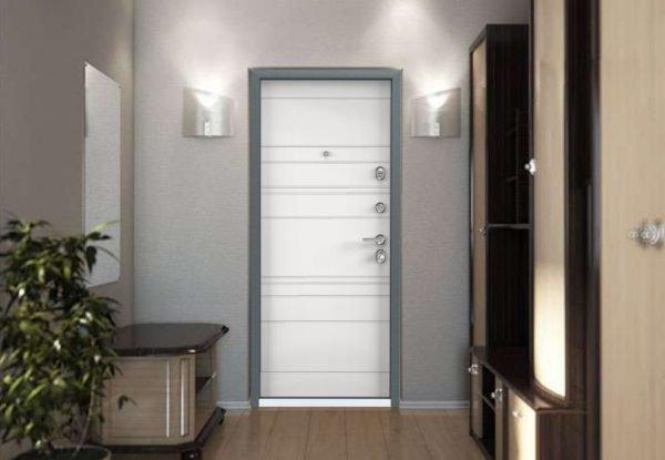 Входная дверь Ultimatum-M PP в интерьере