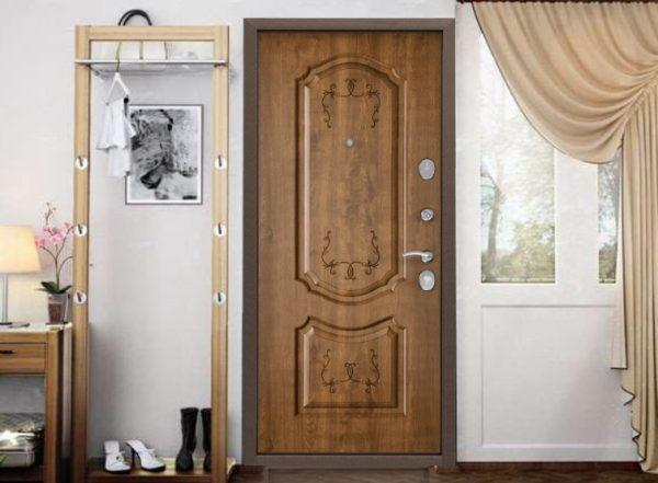 Входная дверь СТЕЛ в интерьере