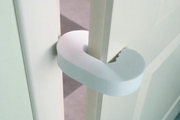 Мягкая накладка на дверь