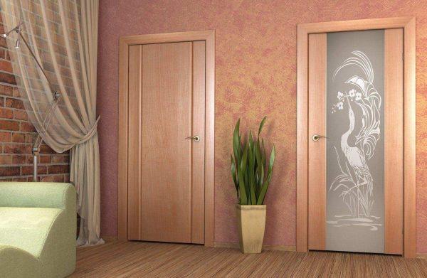Дверные коробки с наличниками и полотнами