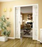 Раздвижные межкомнатные двери белого цвета