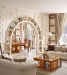 Светлая классическая арка