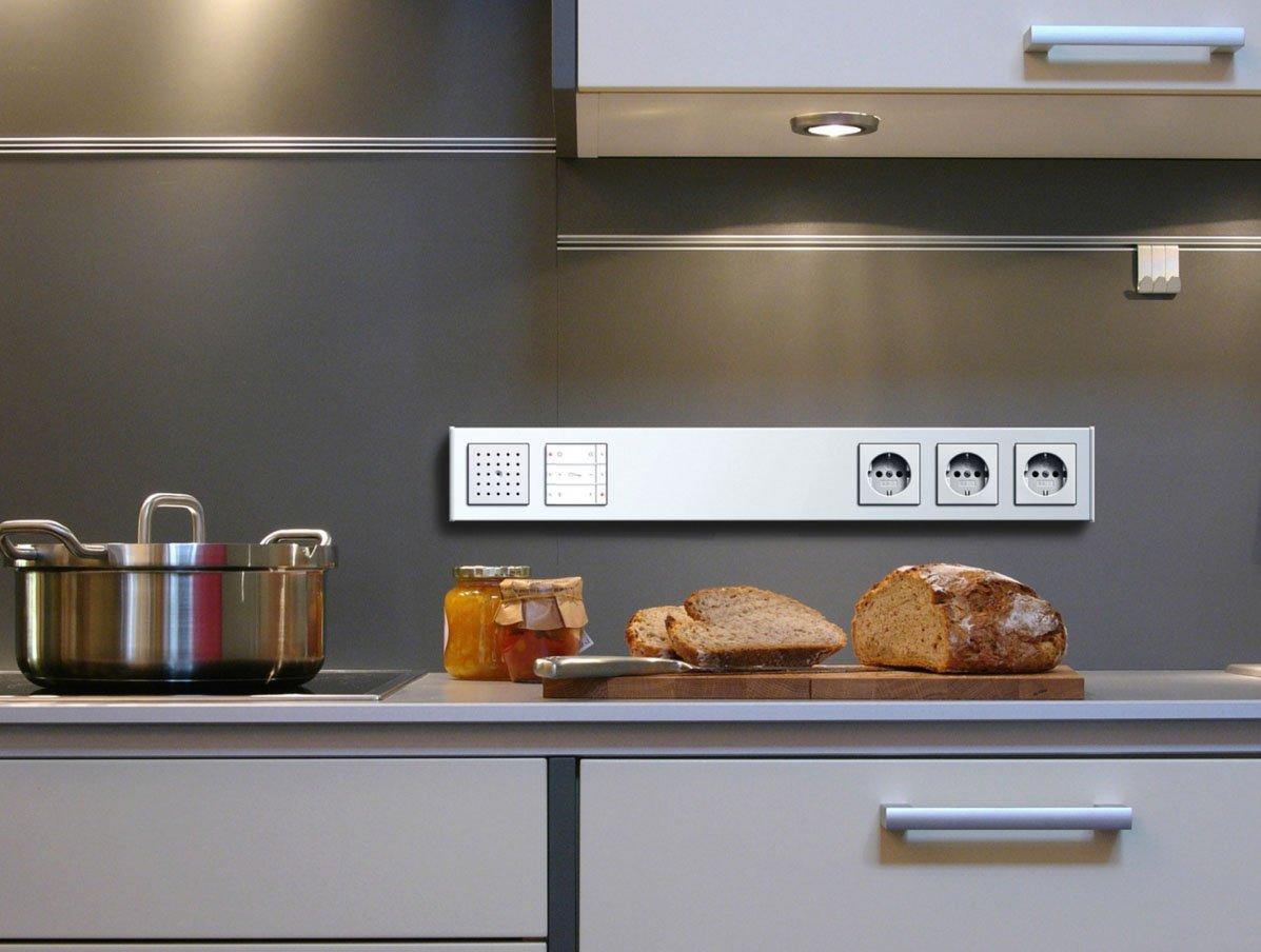 Розетки на кухне рабочей зоне фото