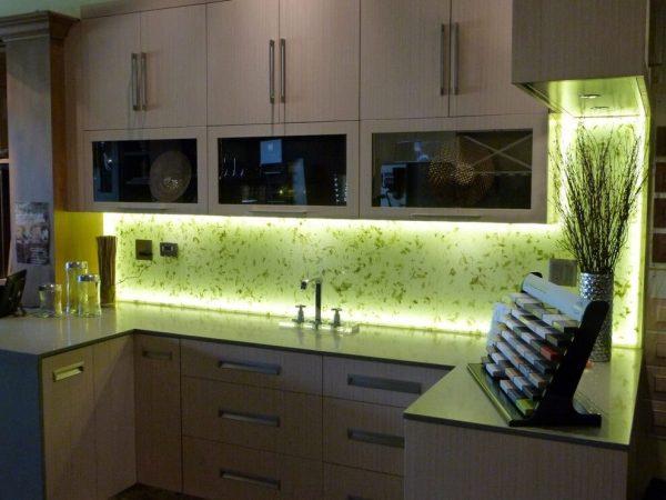 Светодиодная подсветка на кухонных шкафах