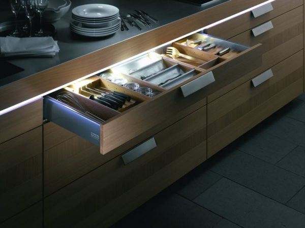 Подсветка ящиков кухонного гарнитура