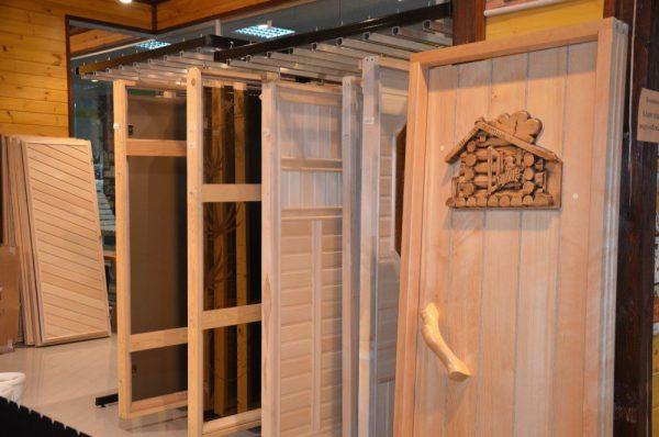 Двери для бани из кедра