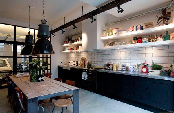 Подвесные светильники в кухне стиля лофт