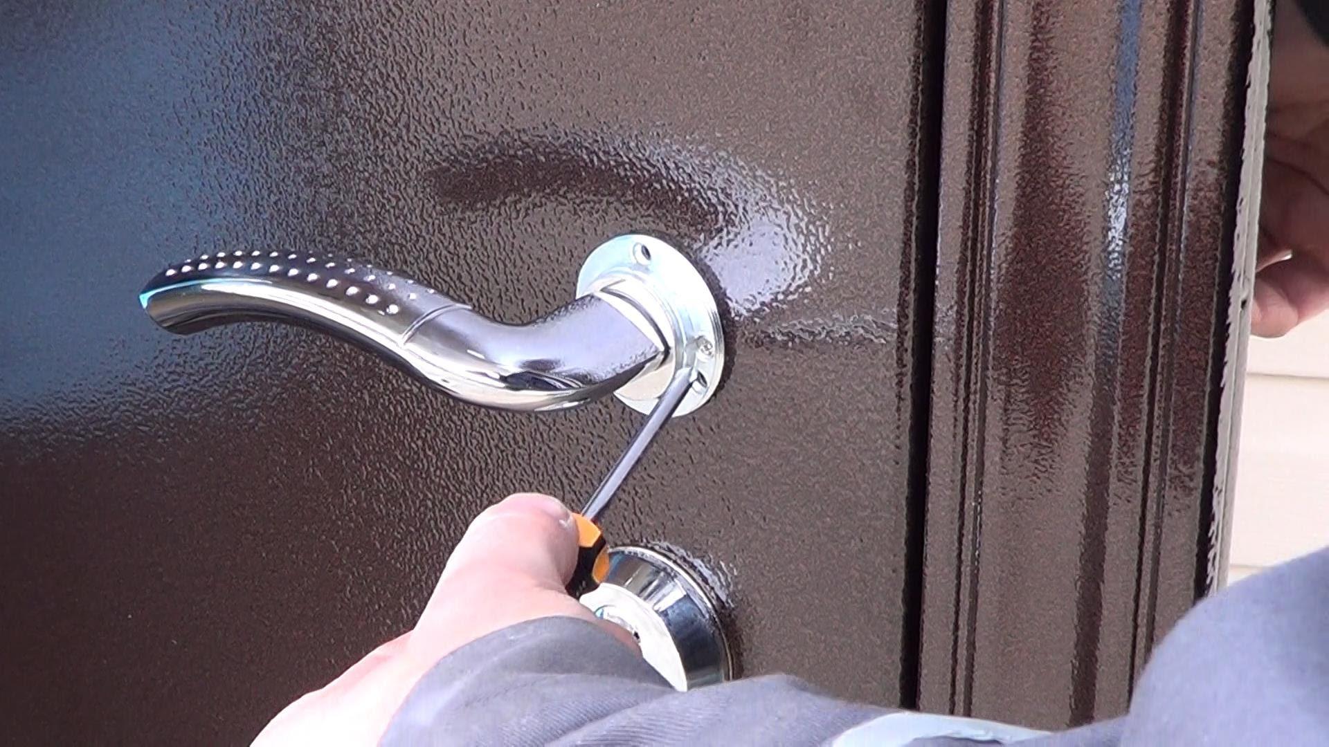 Как и чем утеплить входную дверь своими руками