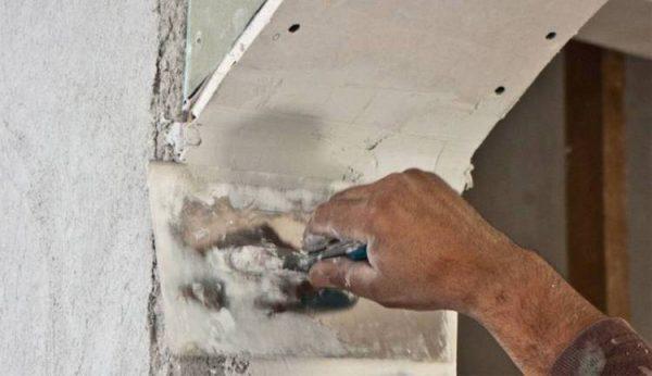 Выравнивание перехода между арочной дугой и стеной
