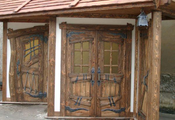 Двери, состаренные термически