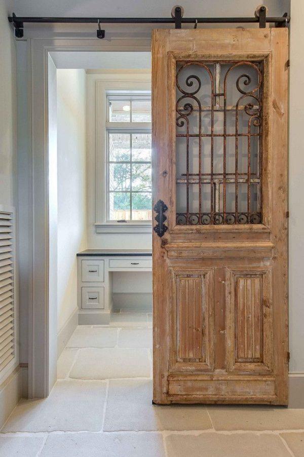 Раздвижные состаренные двери