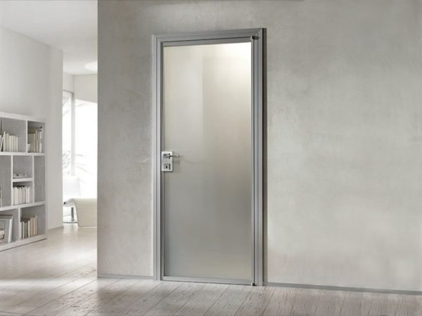 Стеклянные двери в стиле минимализм
