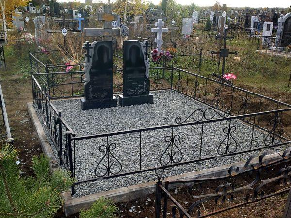 Щебень на могилке