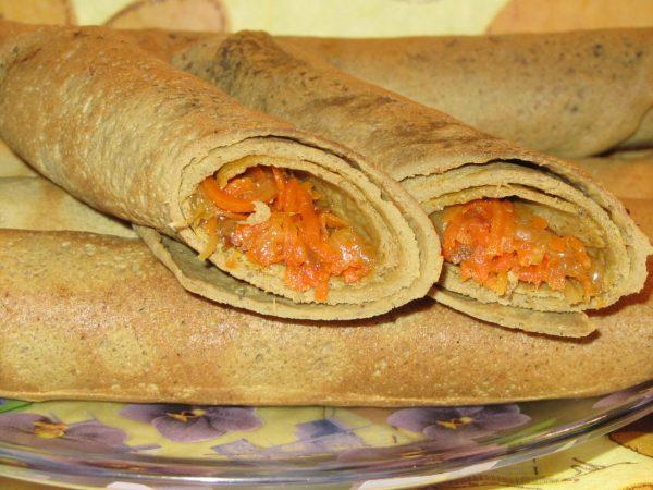 Печёночные блины с овощами