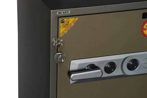 Опечатывание сейфа