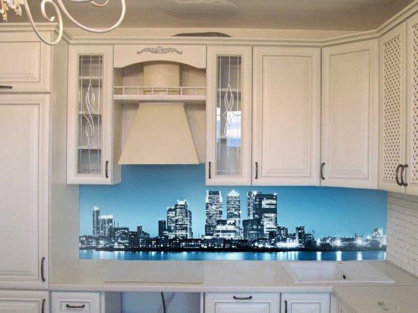 Фотообои на кухонном фартуке
